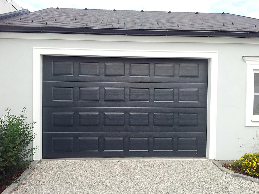 garagedeuren Cassette motief  Uw W&W deur gemonteerd